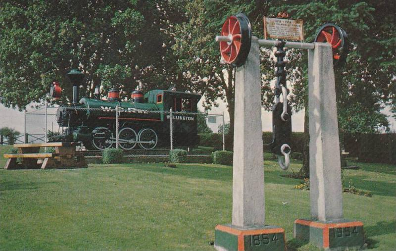 Steam Locomotive Train Engine, Monument to Pioneers of Nanaimo, Piper Park, N...