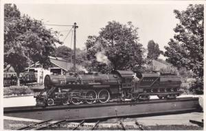 RP; Miniature Train on turntable ; Hythe , Uk , 1950s