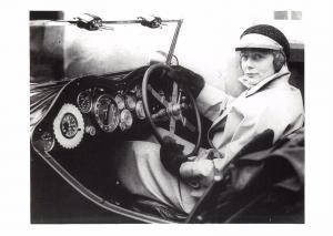 Postcard RILEY 9 GAMECOCK Mrs Montague Johnstone 1933 Monte Carlo Rally #21
