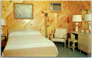 Huntsville, Alabama Postcard BON-AIR MOTEL Room Interior Dexter Chrome 1950s