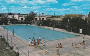 Swimming Pool, FORT MACLEOD, Alberta, Canada, 40-60´