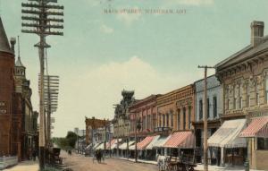 WINGHAM , Ontario , 1917 ; Main Street