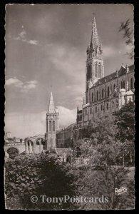 LOURDES (Houtes-Pyrenees) - La Basilique