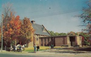 GRAVENHURST , Muskoka, Ontario , Canada , 50-60s : Trinity Untited Church