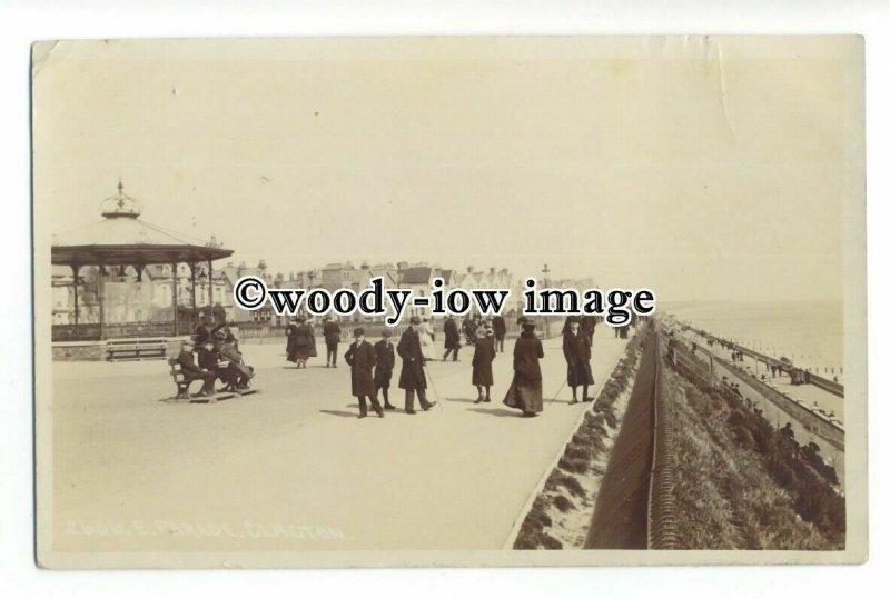 aj0237 - Bandstand on Parade , Clacton , Essex - postcard