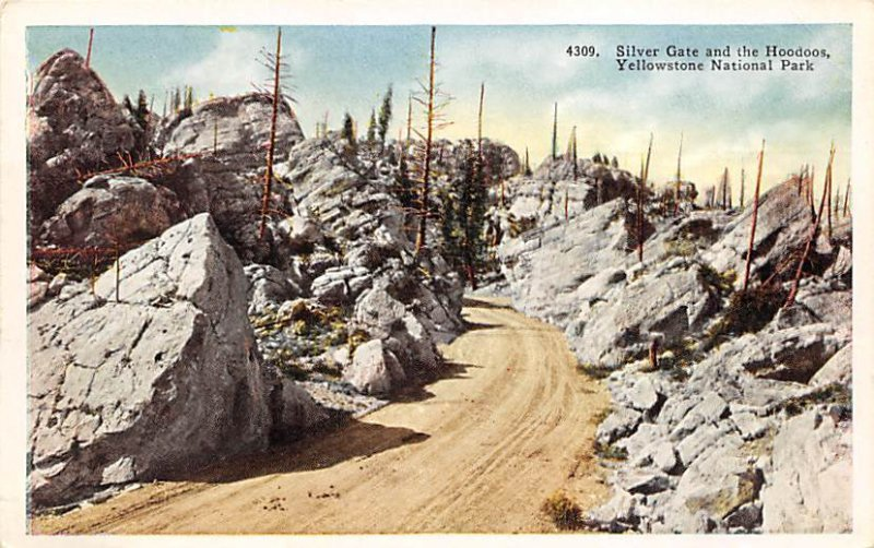 Silver gate and the hoodoos Yellowstone National Park, USA National Parks Unu...
