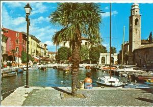 Italy, Lago di Garda, Lazise, Il Porto, 1980 used Postcard