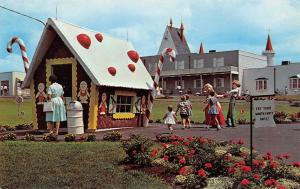 Lancaster Pennsylvania~Dutch Wonderland~Hansel & Gretel~Gingerbread House~1960s