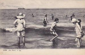 People Bathing, Aux Bains, France, 1900-1910s
