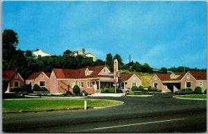 Astoria, Oregon Postcard BAY-VIEW MOTEL Highway 101 Roadside c1960s Unused