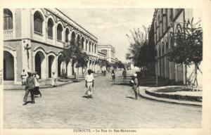 CPA Djibouti Afrique - La rue du Ras-Makonnen (86946)