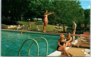Lake Delton, Wisconsin Postcard DELL VIEW HOTEL Pool Scene Insurance Convention