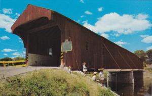 The Kissing Bridge, Children, Fishing, West Montrose, Ontario, Canada, 40-60´s
