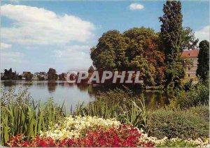 Modern Postcard Enghien les Bains (Val d'Oise) The Banks Lake