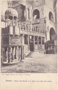 Italy Venezia Interno della Basilica di San Marco preso dalla porte sinistra