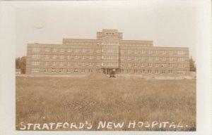 RP: STRATFORD , Ontario , Canada , 1930s-40s ; Hospital