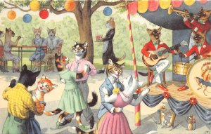 F86/ Alfred Mainzer Signed Postcard Dressed Cats Comic c50s Band Dance 19