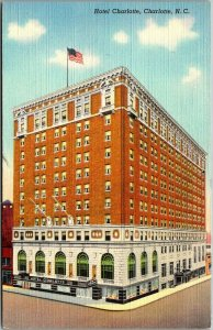 1940s Charlotte, North Carolina Postcard HOTEL CHARLOTTE Street View Linen