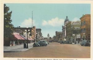 MOOSE JAW , Saskatchewan, 1910-30s ; Main Street South