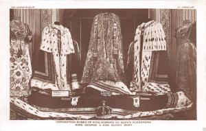 LONDON MUSEUM UK KING EDWARD VII GEORGE V QUEEN MARY CORONATION ROBES POSTCARD