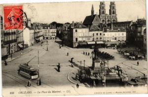 CPA ORLÉANS-La Place du Martroi (266079)