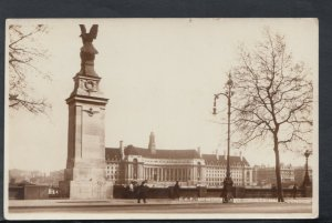 London Postcard - R.A.F. Memorial and County Hall    RS19592