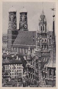Germany Muenchen Rathaus und Frauenkirche