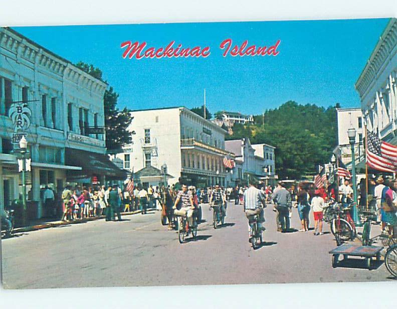 Unused Pre-1980 SHOPS ALONG STREET Mackinac Island Michigan MI hn0536