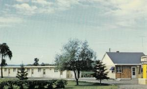 KAKABEKA FALLS, Ontario, 50-60s; Kakabeka Falls Motel