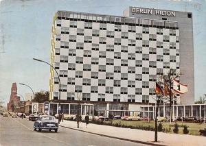 Berlin Hilton Hotel Strasse Auto Vintage Cars Voitures Promenade