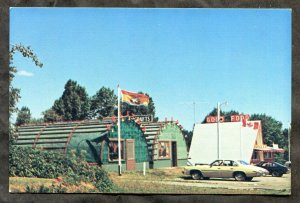 p917 - OAK BAY NB 1970s The Lobster Traps Shop & Tepee Dairy Bar. Roadside. Cars