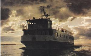 Steam Ferry M.S. NORWETA, McKenzie River , NWT , Canada , 50-60s