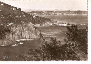 Postal 035743 : La Cote dAzur. La Route de la Corniche dOr. Cannes et les Alp...