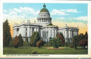USA East View of State Capitol Sacramento 02.03