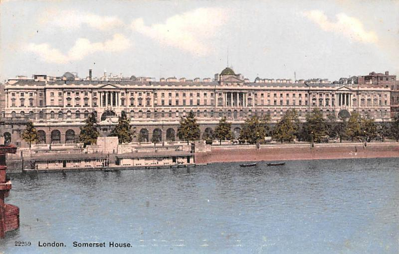 London Somerset House River Boats Bateaux Promenade