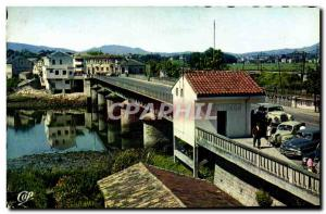 Postcard Modern Customs Customs Hendaye International Bridge