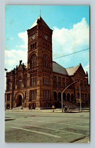 Bluffton IN- Indiana, Wells County Court House, Historic, Chrome Postcard