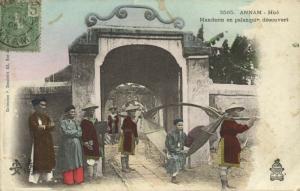 indochina, ANNAM, Hué, Mandarin in Sling-Type Litter (1910s)