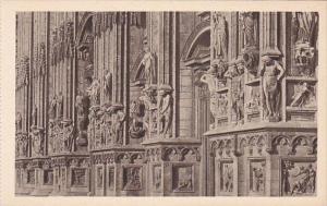 Italy Milano Il Duomo Zone inferiore della Facciata