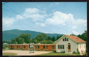 Vermont RUTLAND Blue Star Motel, Route 4 East, 152 Woodstock Ave. 1958 CHROME