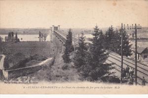 CUBZAC-LES-PONTS, Le Pont du chemin de fer pris de la Gare, Gironde, France, ...