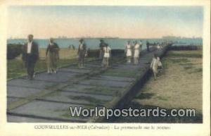 Courseulles-sur-Mer, France, Carte, Postcard La Promenade sur le Ponton Cours...