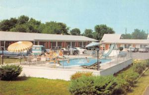 Chincoteague Virginia Beach Road Motel Swimming Pool Vintage Postcard J926371