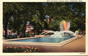 Michigan Kalamazoo Bronson Park New Fountain 1940 Curteich