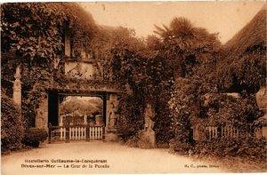 CPA DIVES-sur-MER - La Cour de la Pucelle (271796)
