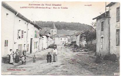 France.  Toul.  Family picture on main street.