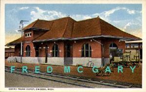 1915 Owosso MI PC: Grand Trunk Railroad Depot, Trackside