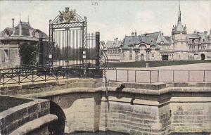 Le Chateau De Chantilly Entree du Chateau 1907 France