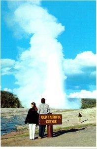 Wyoming Yellowstone National Park Old Faithful Geyser