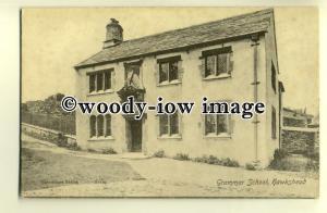 tp0335 - Cumbria - Early View of the Grammar School, in Hawkshead - Postcard